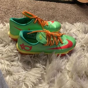 Basketball 2 pair KD 6's one pair penny Hardaway.